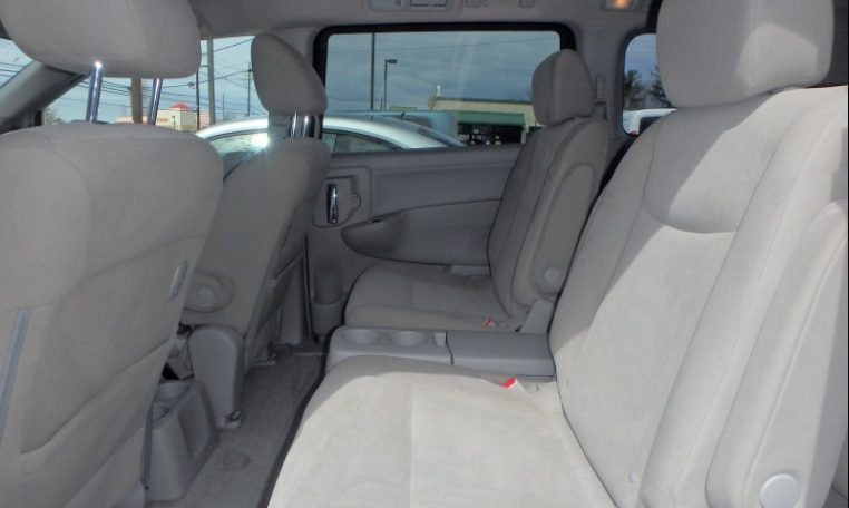 2016 Nissan Quest Backseat Interior Sideview